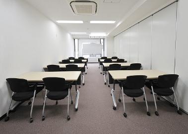 会議室B・C(スクール型16名)