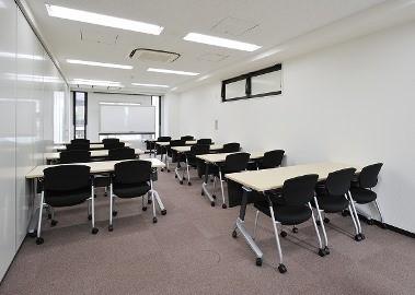 会議室A(スクール形式19名)