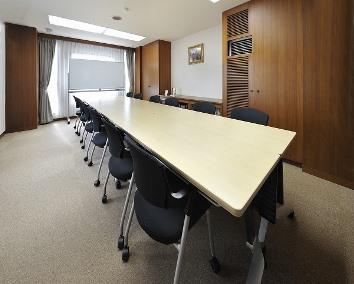 会議室E(ロの字型12名)