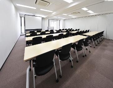 会議室B+C(横スクール型36名)
