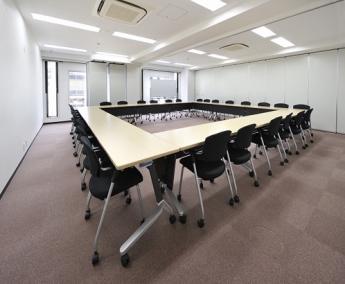 会議室B+C(ロの字型28名)