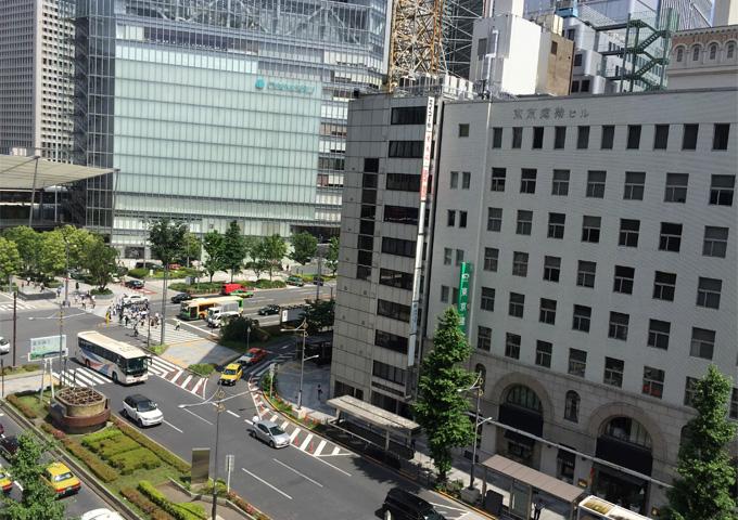室内からの眺望1(東京駅側)