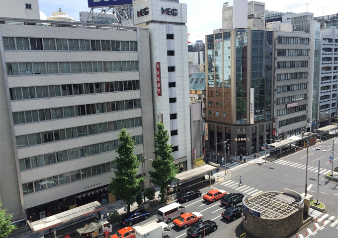 室内からの眺望2(日本橋側)