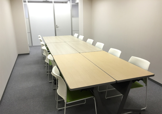 小会議室(最大12名様収容)
