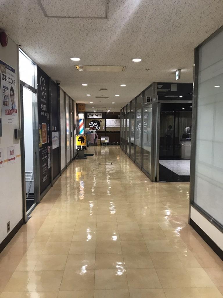 地下1階の会議室フロアには飲食店もあります!